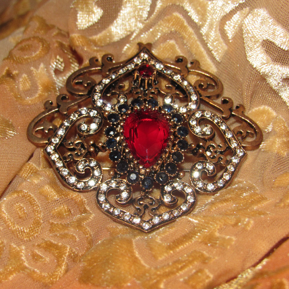 Vintage Ornate Rhinestone Filigree Brooch